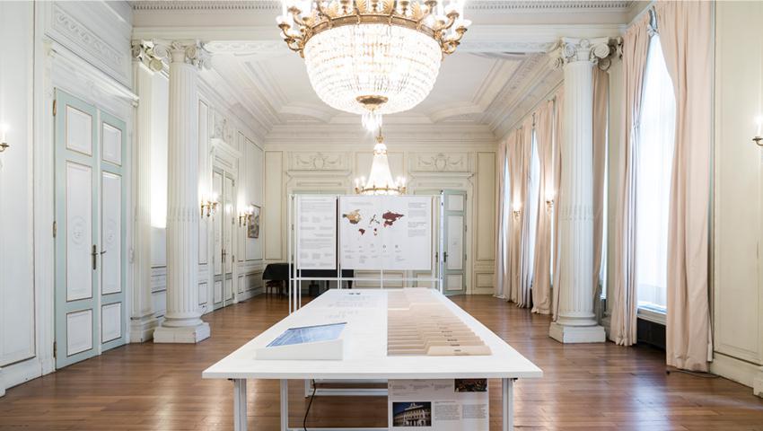 De democratie bewonen. De architectuur van de parlementen - Brussels parlement - Atento bv - Exponanza bv